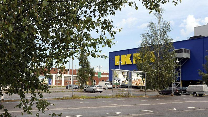 Huonekalujätti Ikean myymälä Vantaalla