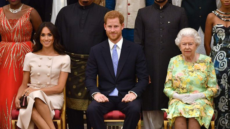 Harry, Meghan Markle ja kuningatar Elisabet vuonna 2018.