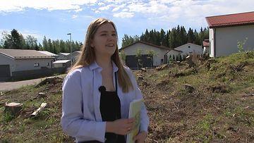 """160621-Ella, 19, on Suomen nuorin talonrakentaja – näin hänen haaveistaan tuli totta: """"Vaikkei kaikkea tietäisi etukäteen, niin matkan varrella oppii"""""""