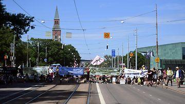 LK 17.6.2021 Elokapina Mannerheimintie Helsinki mielenosoitus