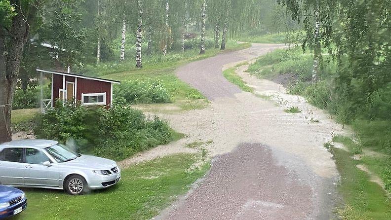 Hämeenkyrössä satoi paljon vettä.