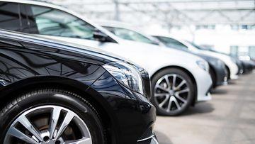 shutterstock autokauppa vaihtoauto
