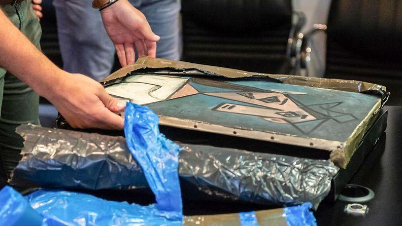 Kreikassa poliisi on löytänyt Picasson varastetun maalauksen. Taideaarre ehti olla kateissa liki vuosikymmenen. 1
