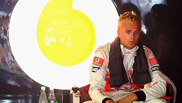 Heikki Kovalainen McLarenin varikkopilttuussa 2009.