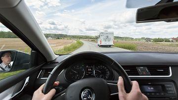 liikenneturva ohittaminen ohitus maantie