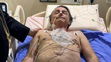 Brasilian presidentti Jair Bolsonaro sairaalan pedissä.