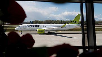 Lentokenttä Baltia