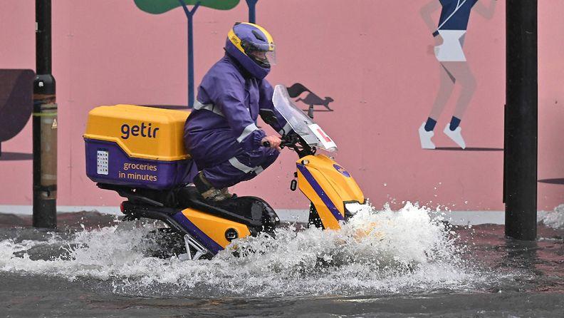 LK: Lontoon tulvat, skootteri