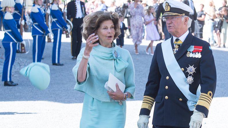 AOP Silvia Kaarle Kustaa ristiäiset
