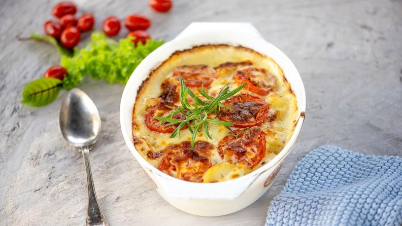 juustoinen-broileri-perunavuoka-1-210721_Z726844-large