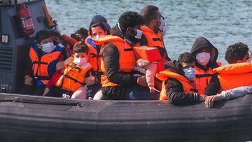 AOP_17.57058729_englanninkanaali_pakolaiset