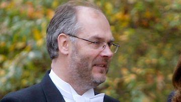 Alan Karis.