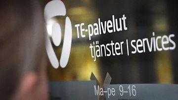 LK 24.8.2021 Työnhakija TE-toimistossa Pasilassa Helsingissä 10. tammikuuta 2017.