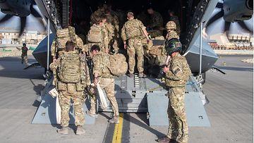 AOP Britannian sotilaita lähtee Kabulista, Afganistan