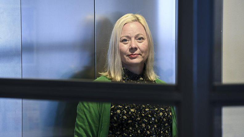 MIELI ry:n Itsemurhien ehkäisykeskuksen päällikkö Marena Kukkonen MIELI ry:n toimistolla Helsingissä 7. syyskuuta 2021.