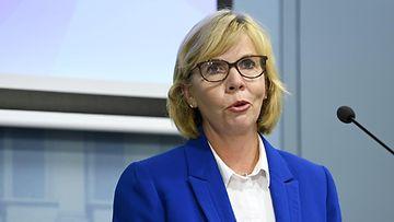 LK 9.9.2021 Oikeusministeri Anna-Maja Henriksson hallituksen talousarvioneuvotteluiden tiedotustilaisuudessa Valtioneuvostossa Helsingissä 9. syyskuuta 2021.