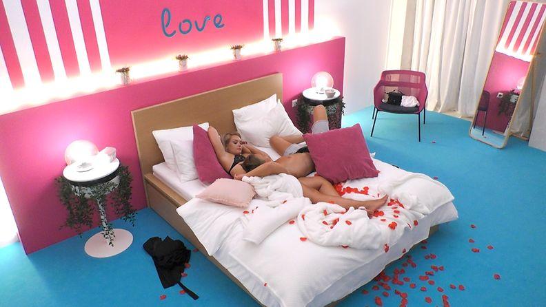Love_Island_Suomi_S3_E10_Oona_ja_Kimi_sviitti_3