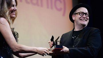 Teemu Nikin elokuva voitti palkinnon Venetsian elokuvajuhlilla.