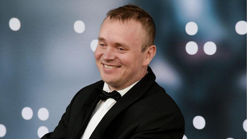 Näyttelijä, pääosan esittäjä Petri Poikolainen Sokea mies, joka ei halunnut nähdä Titanicia -elokuvan kutsuvierasnäytöksessä Tennispalatsissa