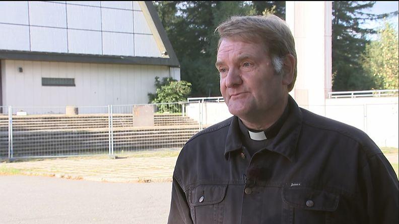 Kirkkoherra Markku Antola.