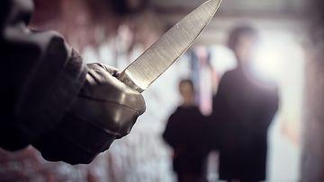 OMA: nuorisoväkivalta, väkivalta, jengiytyminen, katuväkivalta, veitsi