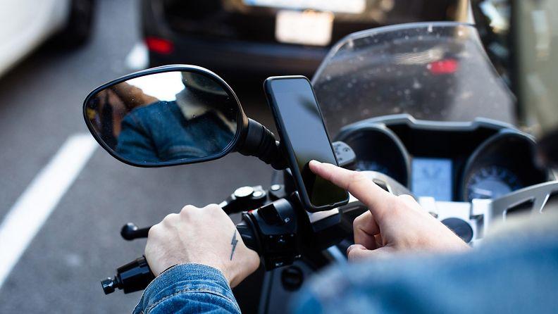 shutterstock iphone moottoripyörä