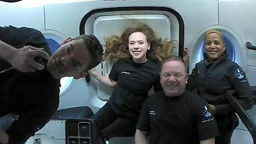SpaceX:n ensimmäiselle siviililennolle osallistujat.