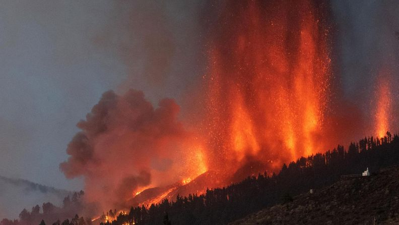 La Palmasin tulivuori purkautuu.