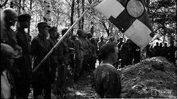 Ensimmäiset sankarihautajaiset Kiteen hautausmaalla 06.07.1941. Kuva: SA-kuva.
