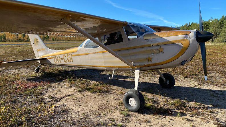 Pieni Cessna on ollut Timo Rannan harrastuskäytössä muutaman vuoden.