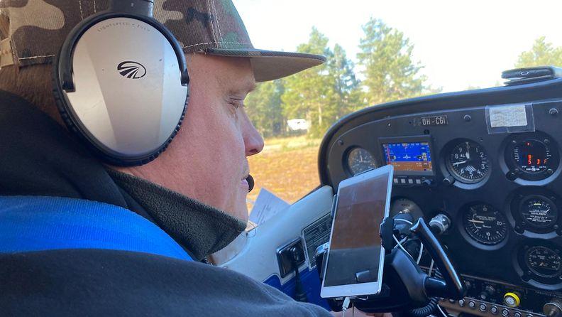 Timo on hankkinut pienkoneen ja harrastanut lentämistä vuodesta 2018.