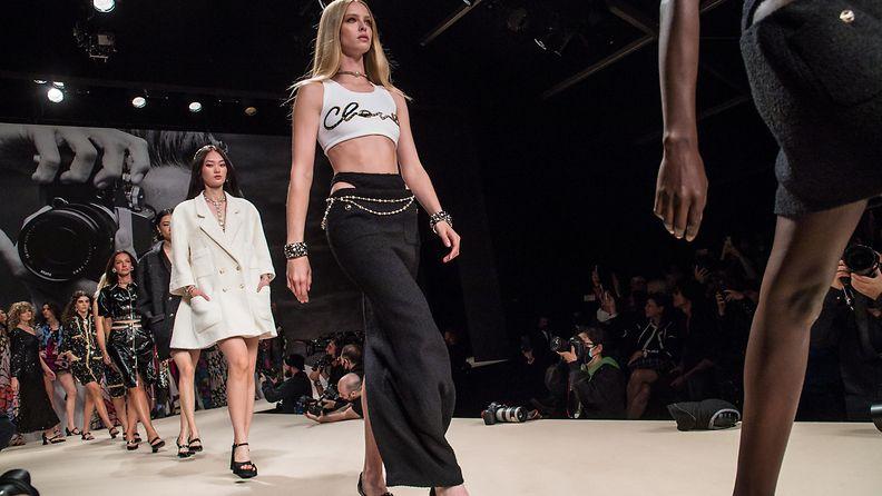Chanel Spring Summer 2022, Paris Fashion Week