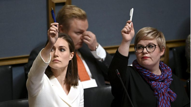 Sanna Marin eduskunta Annika Saarikko