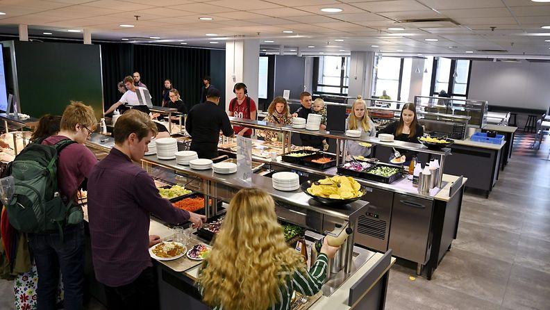 Opiskelijaruokailua Unicafen Kaivopihan opiskelijaravintolassa Helsingissä 31. heinäkuuta 2020.