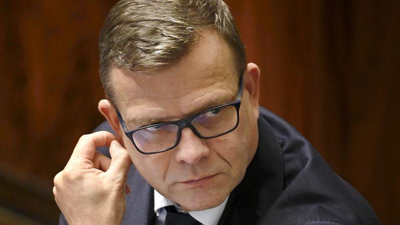 Petteri Orpo eduskunnassa.