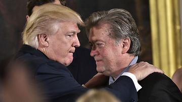 Donald Trump ja Stephen Bannon vuonna 2017.