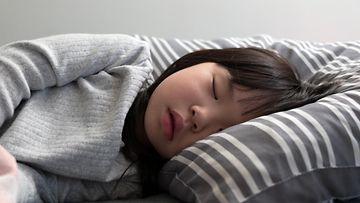 lapsi nukkuu AOP