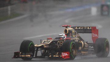 Kimi Räikkönen Malesian sateessa
