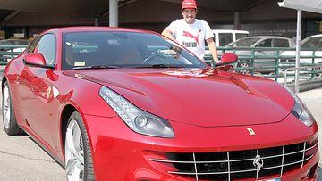 Fernando Alonso ja Ferrari FF.