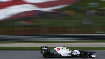 Sergio Perez ajoi sensaatiomaisesti toiseksi Malesian GP:ssä.