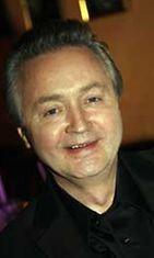 Muusikko Jukka Kuoppamäki opiskeli 1970-luvulla papiksi.