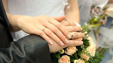 Kahdeksantoista avioliittovuoden jälkeen Suvi Tirkkosen suhde oli väljähtänyt.