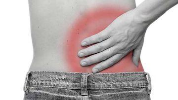 Akupunktio on auttanut ratkaisevasti reistailevaan selkään. Kuvan henkilö ei liity haastatteluun.
