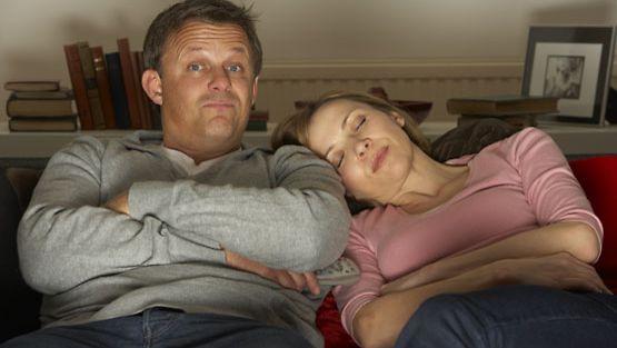 Uniapneasta kärsivät eniten miehet, mutta naisistakin kaksi prosenttia kärsii siitä.