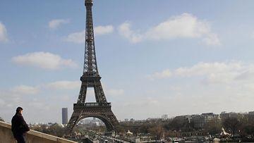 Eiffel-torni on ranskan tunnetuin maamerkki.