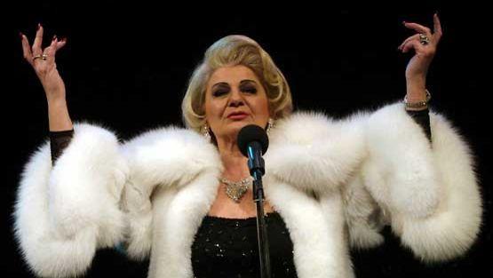 Ritva Oksanen Marlene Dietrichina.