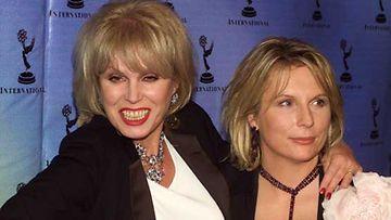 Joanna Lumley ja Jennifer Saunders ovat Todella upeeta -sarjan hulvaton naiskaksikko.