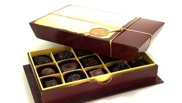 Jotkut keräävät suklaarasioita.