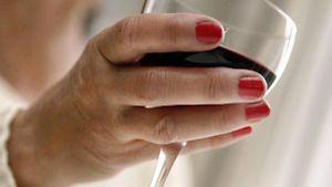 Alkoholismi. (Kuva: Maria Airio/Lehtikuva)