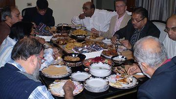 Jouluaaton illallisella ystävän kotona ei näkynyt kinkkua, alkoholia ja naisia.